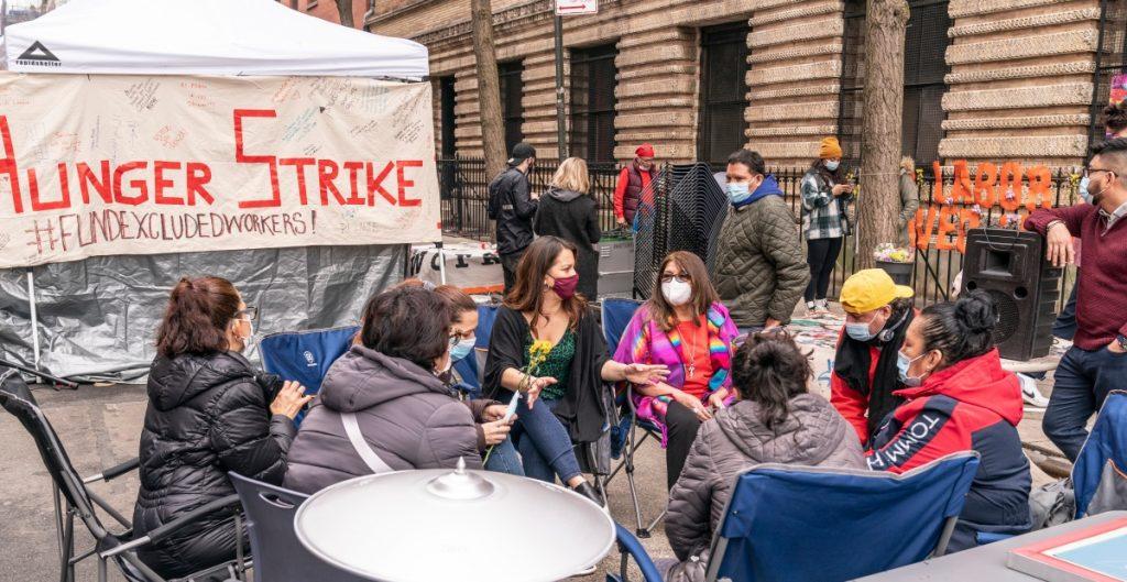 Inmigrantes en huelga de hambre en NY exigen apoyo económico a Andrew Cuomo