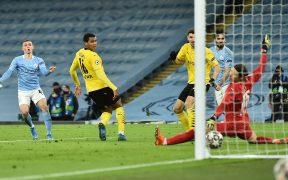 Foden marcó así el 2-1 para el Manchester City. Foto: EFE