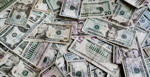 Pemex debe pagar el 18.3% de su deuda en menos de un año, informa Banxico