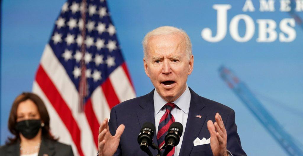 Biden presiona a republicanos para sacar adelante su plan de infraestructura