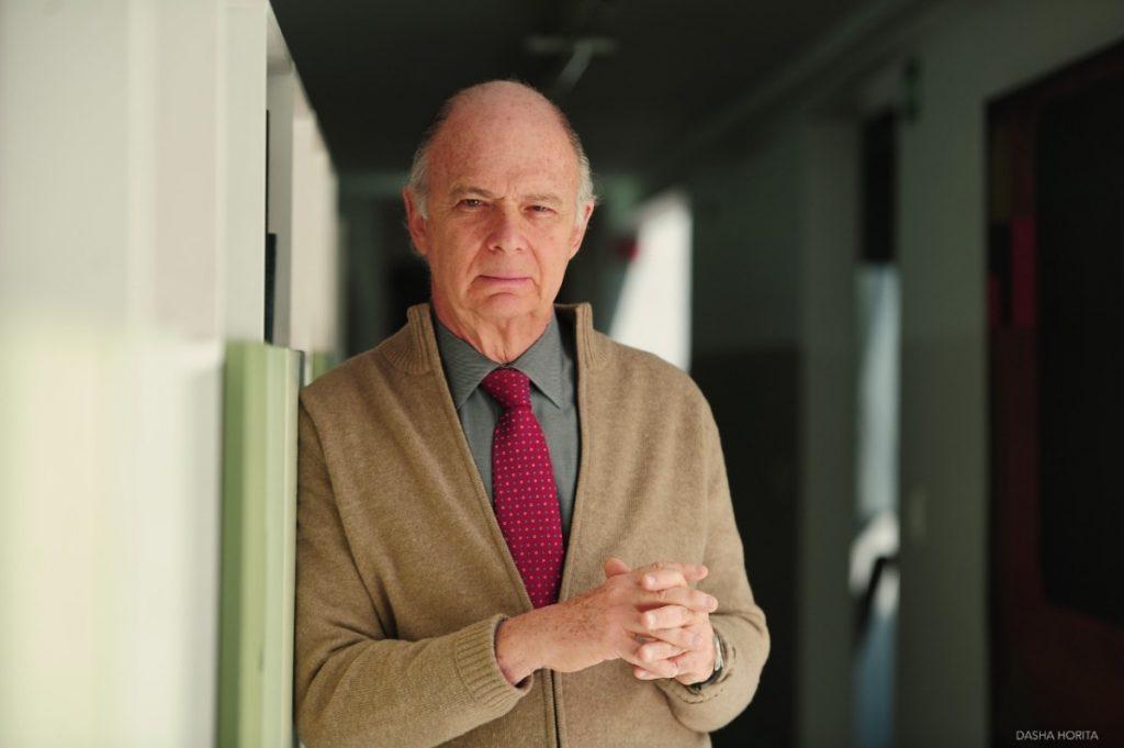 Enrique Krauze gana el Premio de Historia Órdenes Españolas