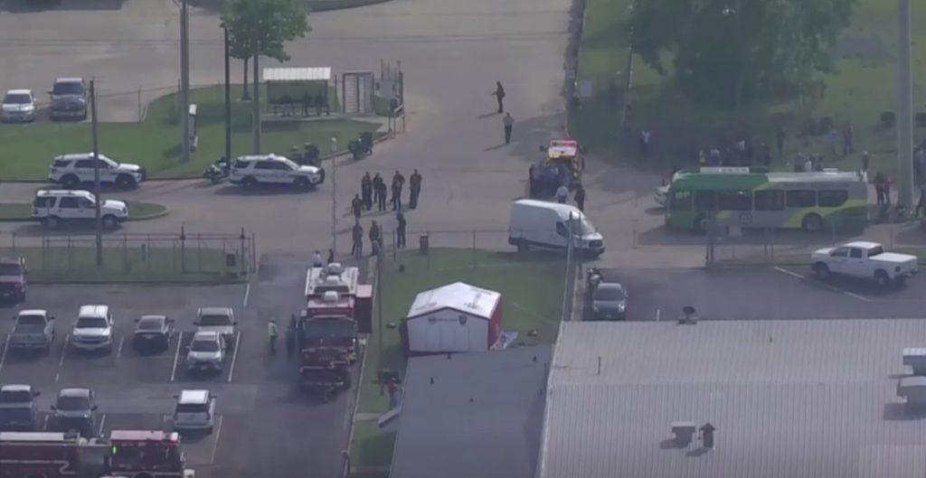 Tiroteo en tienda en Bryan Texas deja un muerto y 4 heridos; sospechoso sería empleado del lugar
