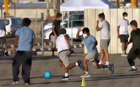 Los Ángeles habilita centro para acoger a 2 mil 500 niños migrantes