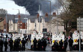 Se cumple una semana de protestas en Irlanda, y reaviva conflicto separatista