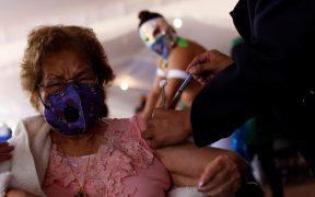Aplicación de segunda dosis de vacuna a adultos mayores en CDMX comenzará el 12 de abril