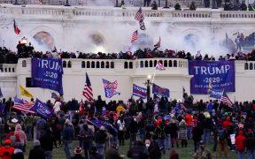 """""""Limpien el Capitolio"""", suplicó Pence mientras el recinto era atacado"""