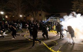 Protestan en Minneapolis tras muerte de joven afroamericano a manos de la policía