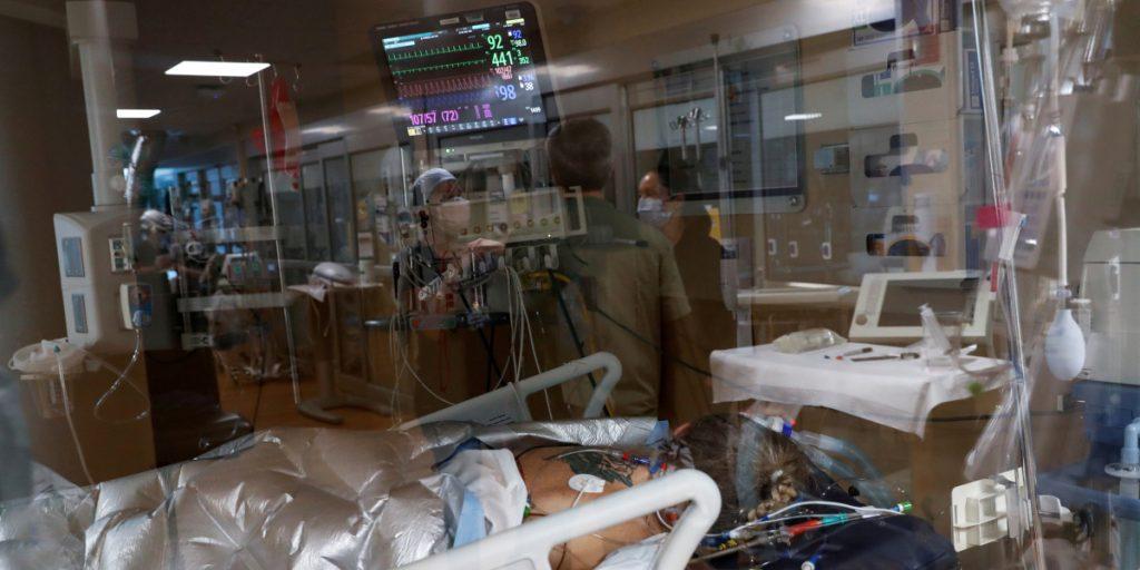 México llega a 209 mil 702 muertos por Covid; hay 2 millones 281 enfermos