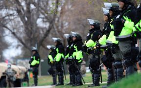 Minnesota despliega 500 soldados por protestas y desenlace de juicio por Floyd
