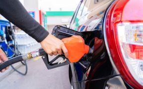 Presidencia dice que no hay aumento en la gasolina; cifras de Profeco dicen que sí