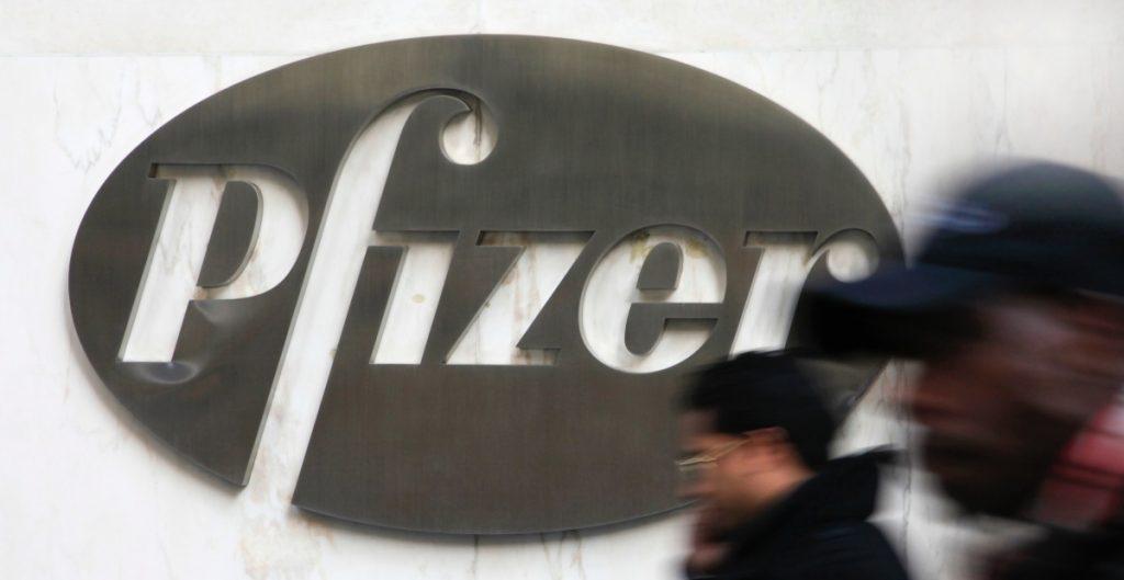 Pfizer podría entregar un 10% más de dosis acordadas a EU para finales de mayo