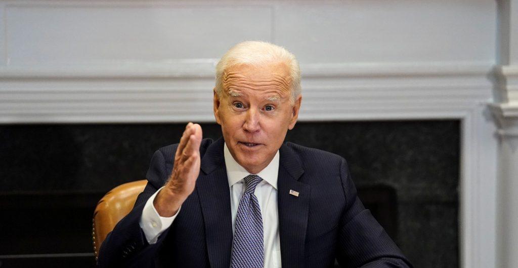 Demócratas piden a Biden priorizar reforma que daría ciudadanía a trabajadores esenciales indocumentados