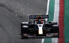 Checo Pérez saldrá segundo en el GP de Emilia Romaña. Foto: Reuters