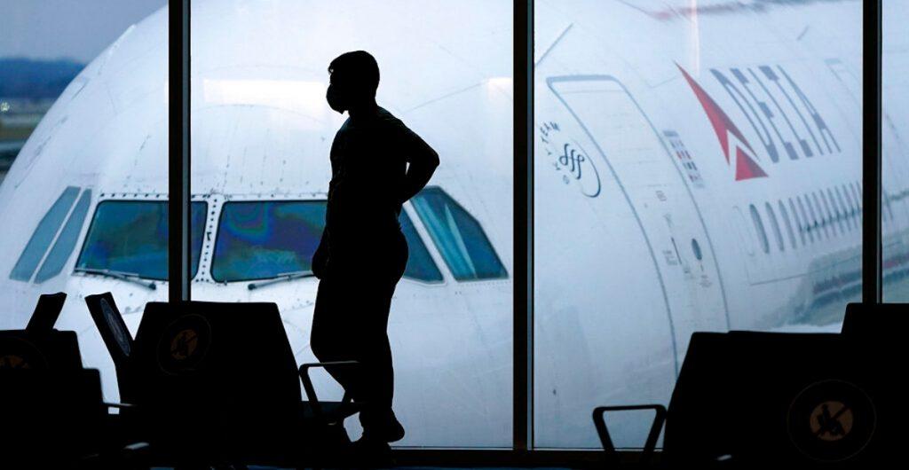 España mantendrá cuarentena obligatoria a viajeros de 12 países