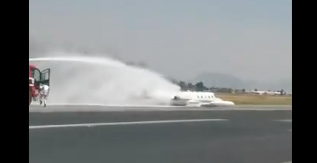 Aeronave aterriza de emergencia en Aeropuerto de Toluca