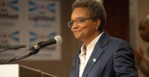 Alcaldesa de Chicago rechaza dimitir ante crisis, tras el caso Toledo