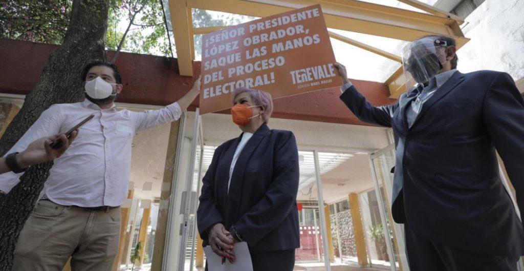 Denuncian a AMLO por presuntamente violar la veda electoral a favor de candidatos de Morena