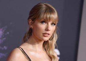 Detienen a un acosador de Taylor Swift; intentaba entrar a su departamento en Manhattan