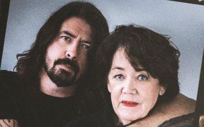 Conoce el primer trailer de la nueva serie de Dave Grohl y su mamá; inicia en mayo en Paramount+