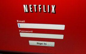 Acciones de Netflix caen 10%, por retrasos de producción de contenidos