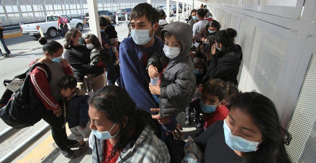 """Más de 8 mil migrantes ingresaron a EU tras la eliminación del programa """"Remain in Mexico"""""""