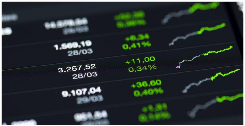 bmv-se-acerca-49-mil-puntos-gracias-reporte-trimestral-alfa-dolar-peso