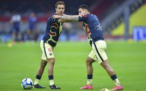 Sebastián Córdova y Jorge Sánchez, antes de un partido con el América. (Foto: Mexsport).