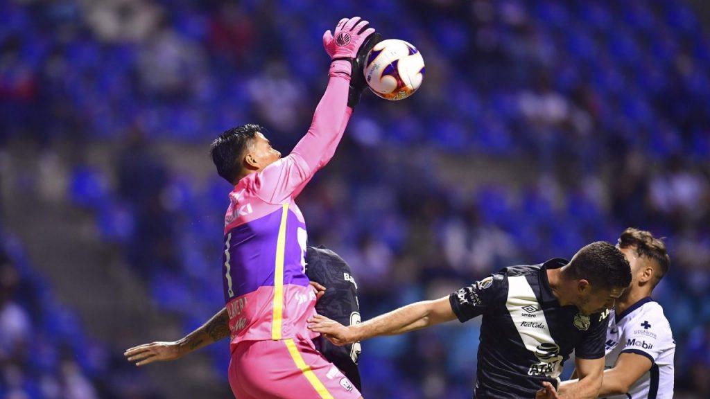 Talavera lució en la portería de Pumas. (Foto: Mexsport).