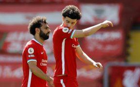 Salah y Jones no ocultan su decepción tras el empate del Newcastle. (Foto: Reuters).