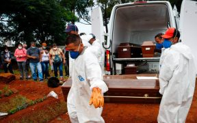 Brasil supera récord de muertes por Covid-19; abril es el mes más letal de la pandemia