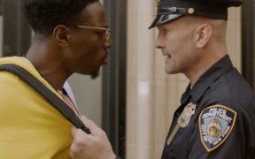 'Two Distant Strangers' gana Oscar y sus directores protestan contra abuso policial en EU