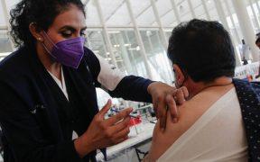 Aplicarán segunda dosis de vacuna contra Covid-19 a adultos mayores en 8 municipios más del Edomex