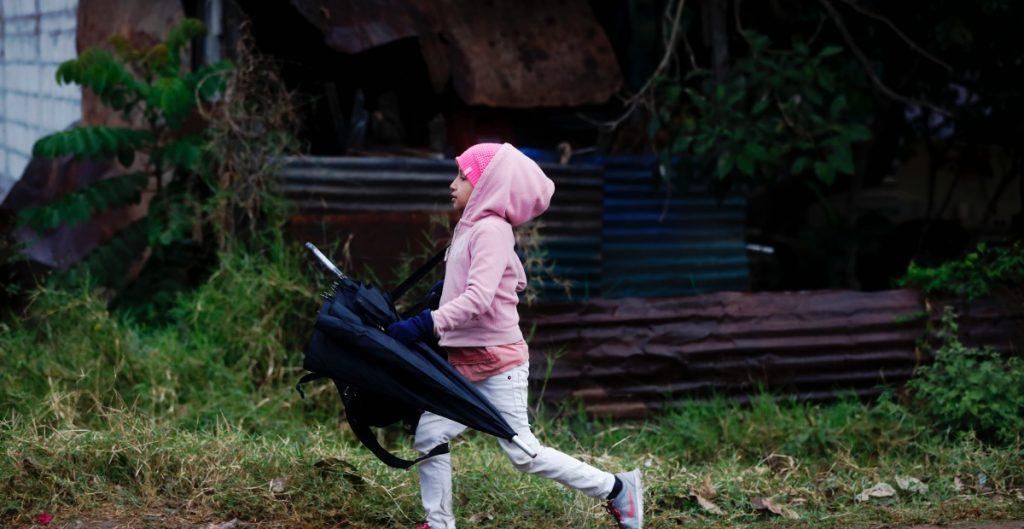 EU admite que niños migrantes podrían ser devueltos a sus países