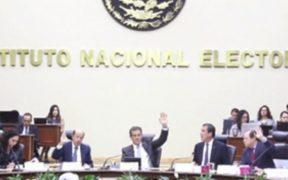 """Morena presenta iniciativa en el Senado que busca """"silenciar"""" a consejeros del INE"""
