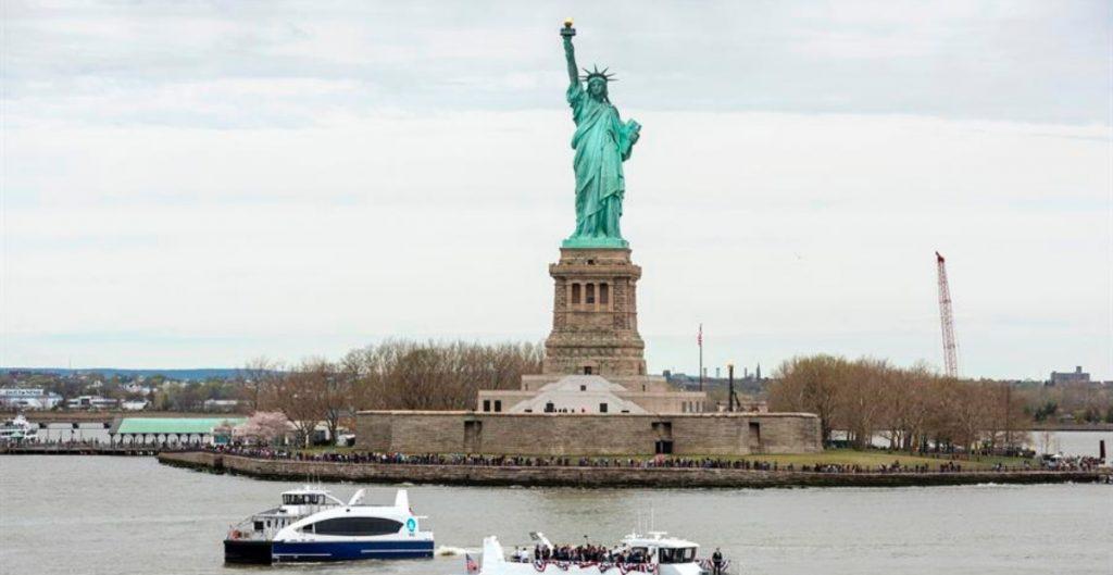 """Nueva York planea """"reabrir por completo"""" negocios el 1 de julio, anunció el alcalde Bill de Blasio"""