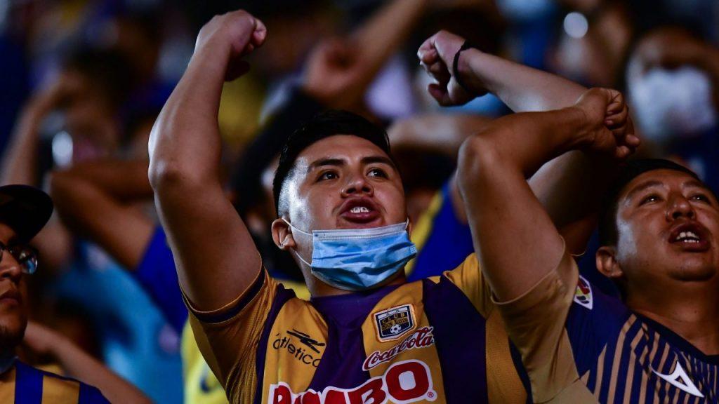 Los aficionados de San Luis hicieron fuertes reclamos tras la derrota. (Foto: Mexsport).