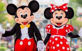 Después de 13 meses cerrado, Disneyland, California reabre sus puertas