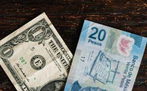 Tipo de cambio en 19.8050 pesos, se perfila a su mejor nivel en tres semanas