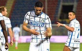 Achraf Hakimi celebra el segundo gol del Inter. (Foto: EFE).