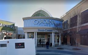 Reportan un herido por tiroteo en centro comercial de Carolina del Norte