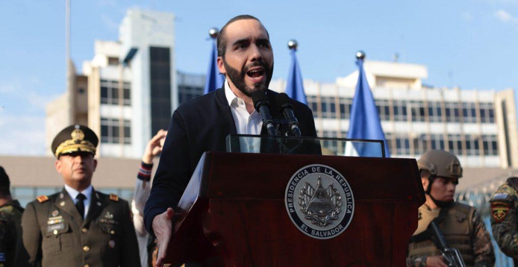 Advierten de crisis económica en El Salvador por destitución de magistrados