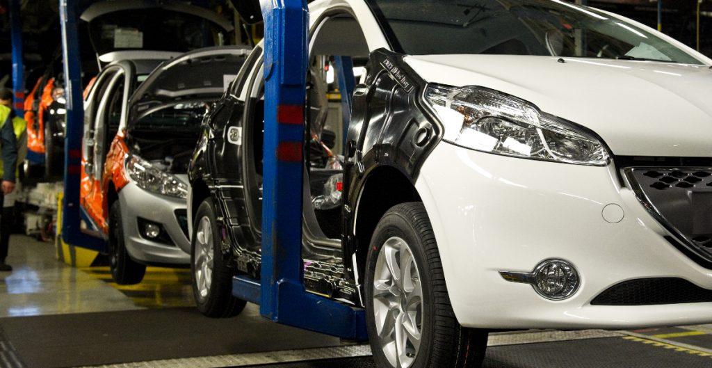 Industria automotriz de México se recupera y aumenta las ventas 139%