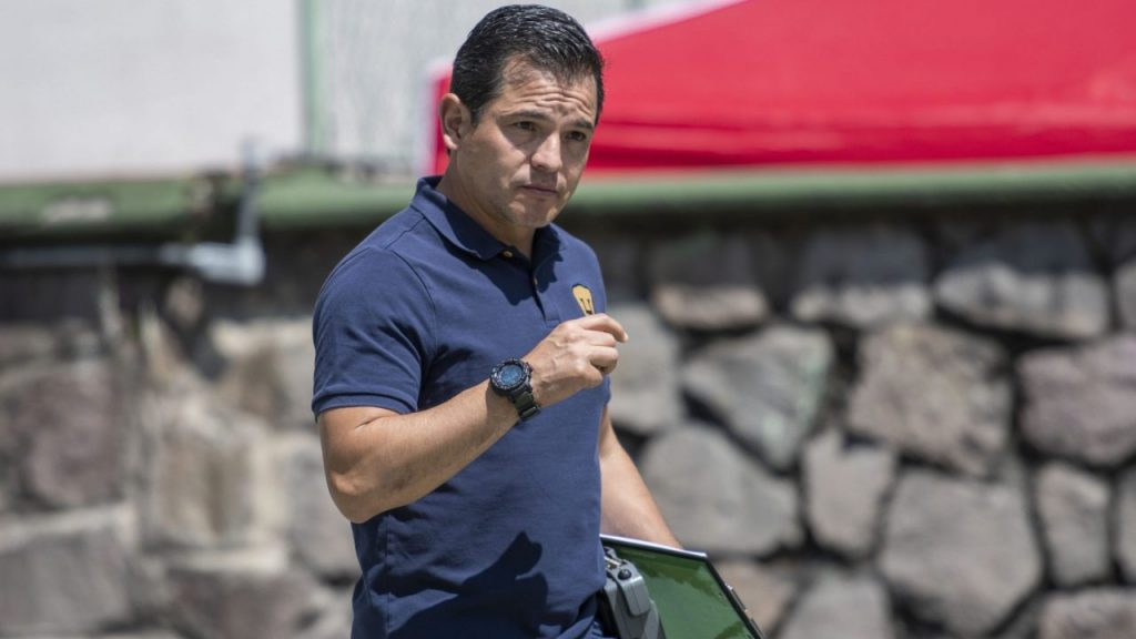 Israel López se formó en Pumas como futbolista y como técnico. (Foto: Mexsport).