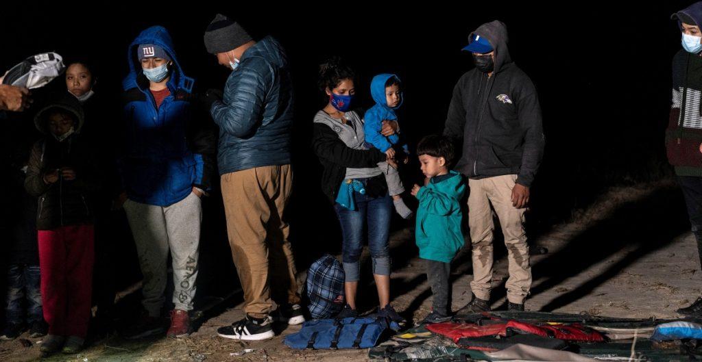 Demandan a gobierno de Canadá por política para rechazar a solicitantes de asilo