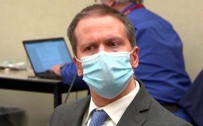 El exoficial Derek Chauvin, condenado por la muerte de George Floyd, pide un nuevo juicio