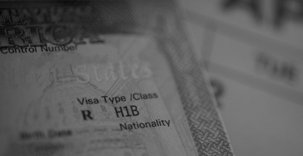 Gobierno de Biden suspenderá requisito que causaba demoras en solicitudes de visas