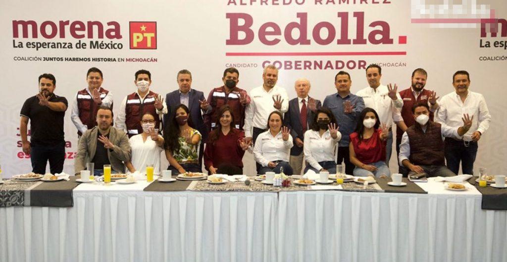 Alfredo Ramírez Bedolla integra a su equipo de campaña a Víctor Toledo