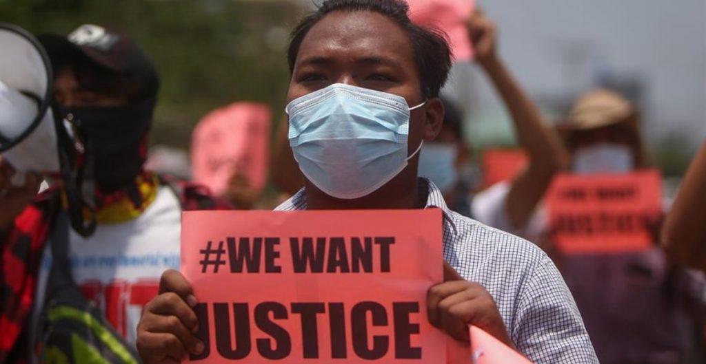 Organizaciones como Human Rights Watch piden a la ONU un embargo de armas en Birmania