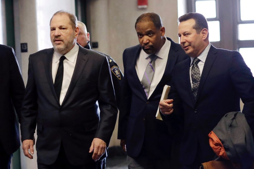 Harvey Weinstein demanda a su exabogado; pide que le regrese un millón de dólares