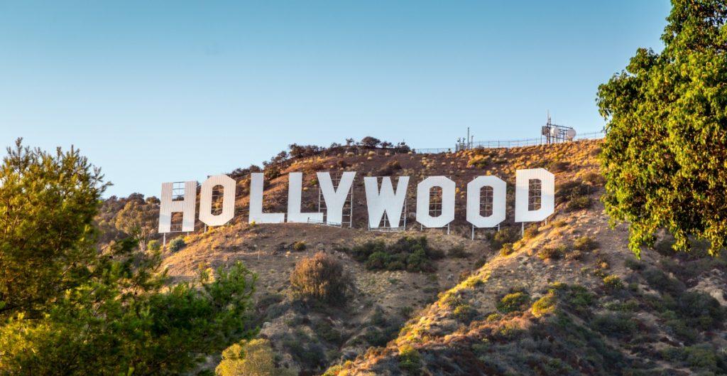 Casi 60 mil trabajadores de Hollywood amagan con irse a huelga el próximo lunes